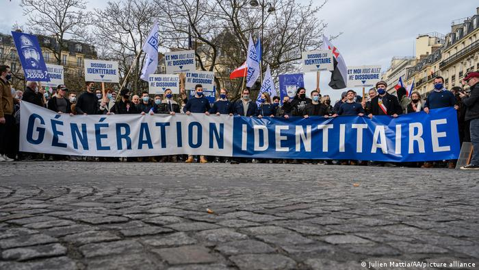 Photo of Paris löst rechtsextreme Identitäre auf