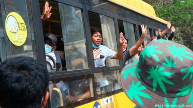 Photo of Junta in Myanmar lässt mehr als 600 Demonstranten frei