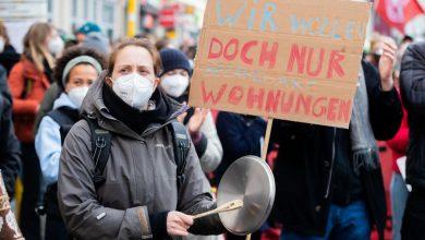 Photo of Tausende Berliner demonstrieren gegen Mietendeckel-Aus