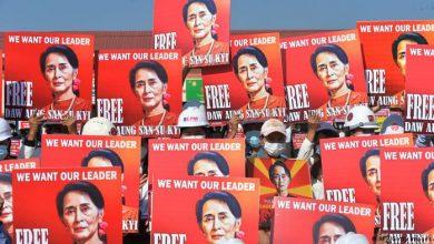 Photo of Suu Kyi erscheint erstmals persönlich vor Gericht in Myanmar